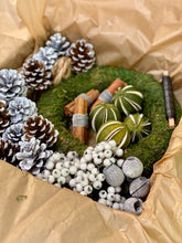 Load image into Gallery viewer, Beginners Frosty White Christmas Wreath Kit Box
