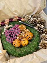 Load image into Gallery viewer, Beginners Red & Gold Christmas Wreath Kit Box
