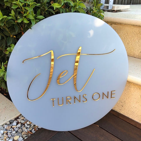 Acrylic circle sign + Acrylic text