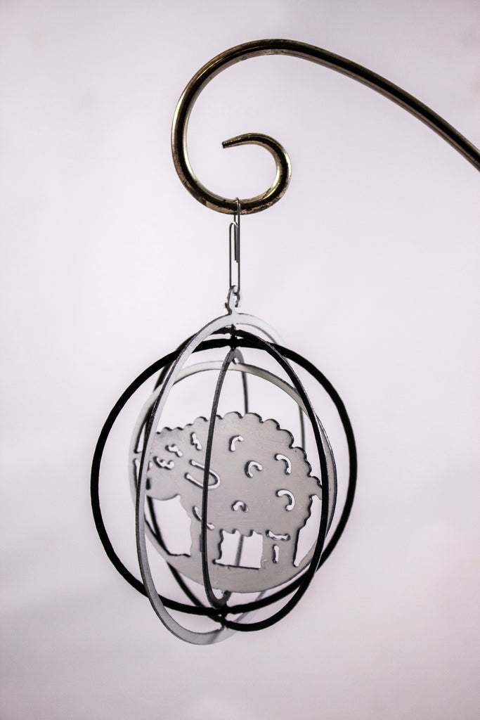 Metal ornament black/white sheep