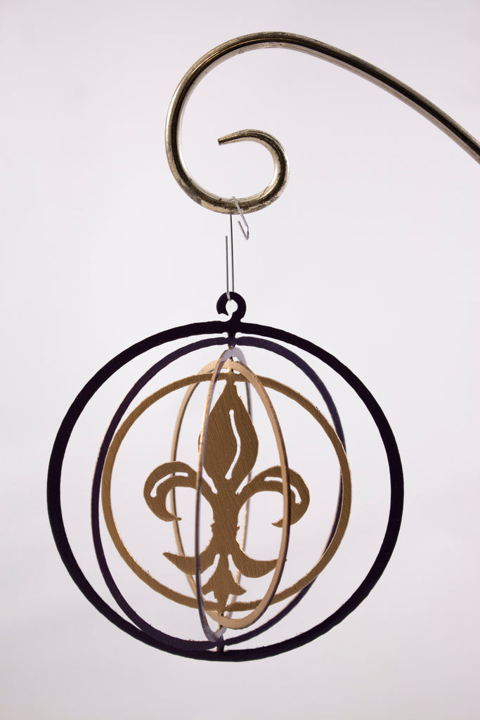 Metal ornament purple and gold fleur de lis