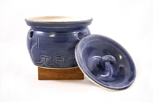 Vintage garlic baker, blue pottery, lidded