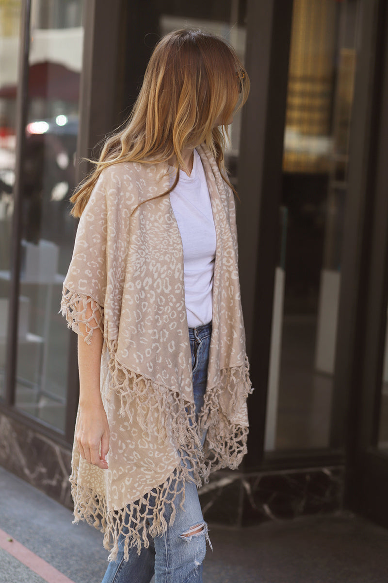 FRINGE CARDIGAN - CREAM & WHITE