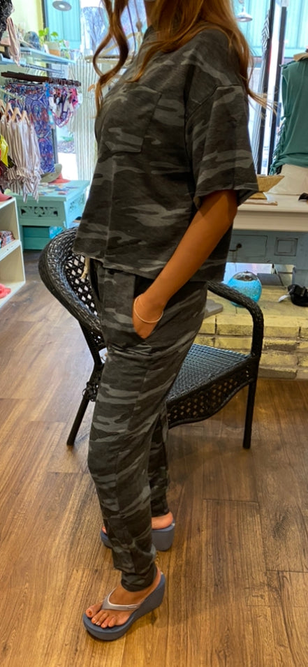 Camo Chic Top NWT/NEW
