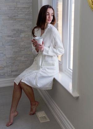 PARISIAN LINEN BATHROBE