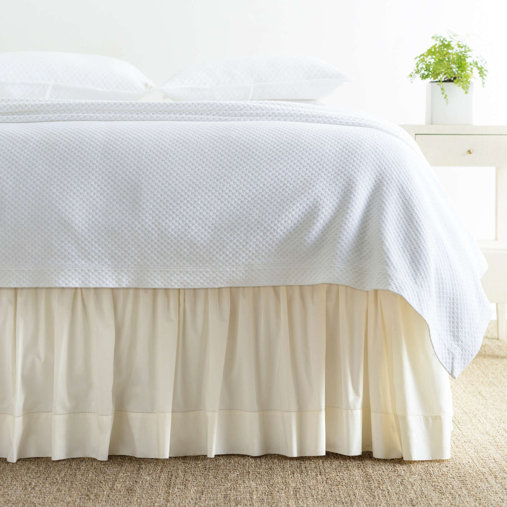CLASSIC HEMSTITCH BED SKIRT