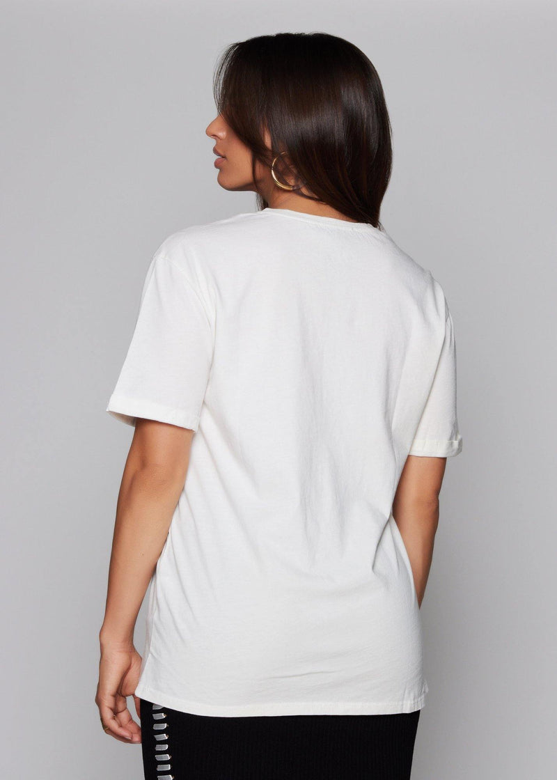 White T-shirt  Featuring a minimal slogan Basic white T-shirt 3/4 sleeves Oversized fit Round neck  Summer style  100% polyester