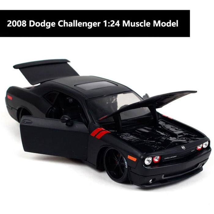 2008 Dodge Challenger Diecast 1:24 Scale Model Car