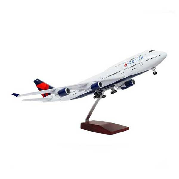 Boeing 747 Model Airplanes | Delta Airlines