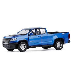 Chevrolet Colorado Pickup Model Cars | 1:32 Scale 3 Colors