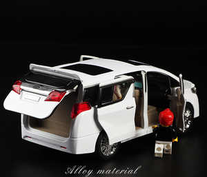 Toyota Alphard Model Cars | 1:24 Scale 2 Colors