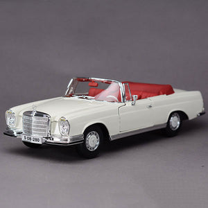 Mercedes-Benz 1967 280SE Model Cars | 1:18 Scale 1 Color