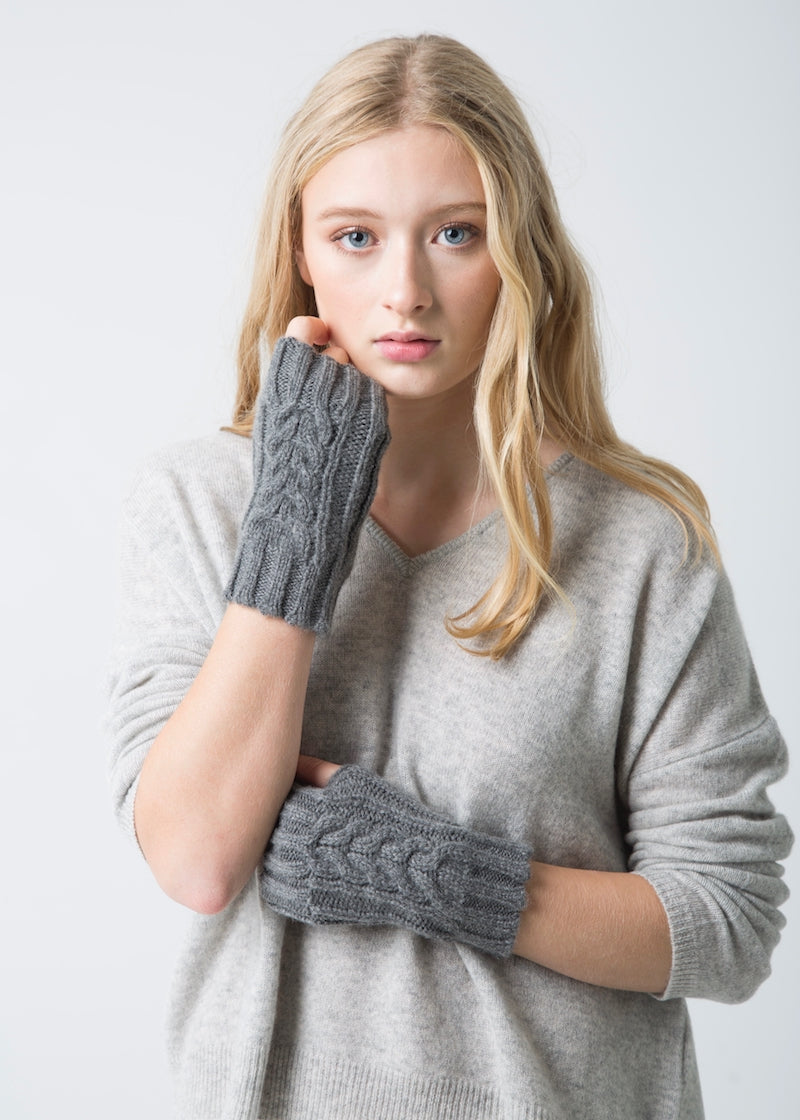 Fingerless Cable Mitts