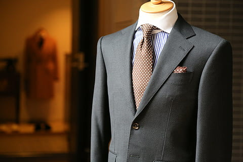 A suit with tie and pocket square