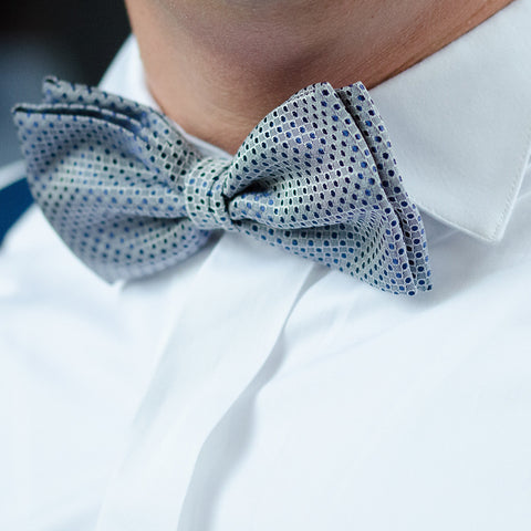 bowtie wingtip collar close up