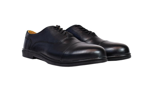 black oxford cap toe dress shoe close up