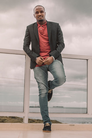 man with jeans and blazer casual look