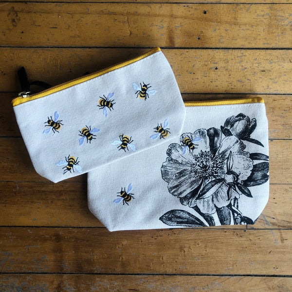 S/2 Canvas Queen Bee Multipurpose Bags