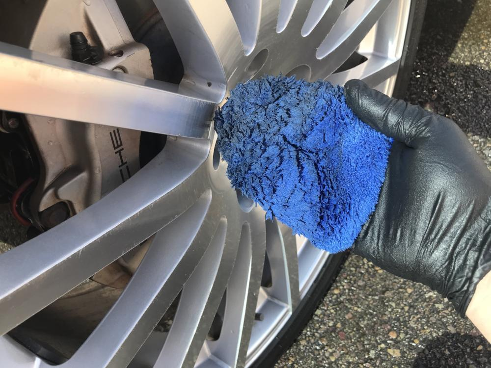 Autofiber [Wheel Fingers] Microfiber Rim and Wheel Half Mitts (4.5 in. x 4.5 in.) 4 pack Mitt - Autofiber Canada