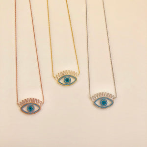 Lashy Eye Necklace