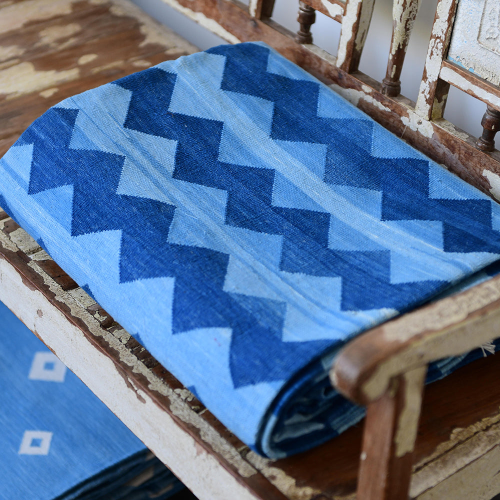 THE CHEVRON BLUE COTTON WOVEN RUG