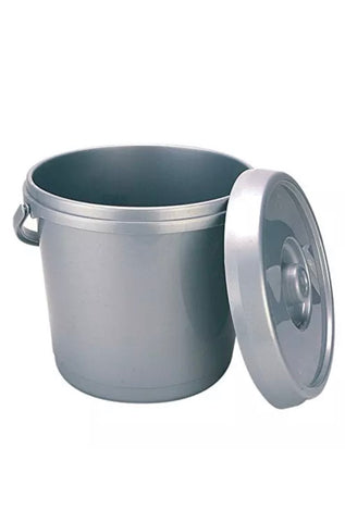 Solids container