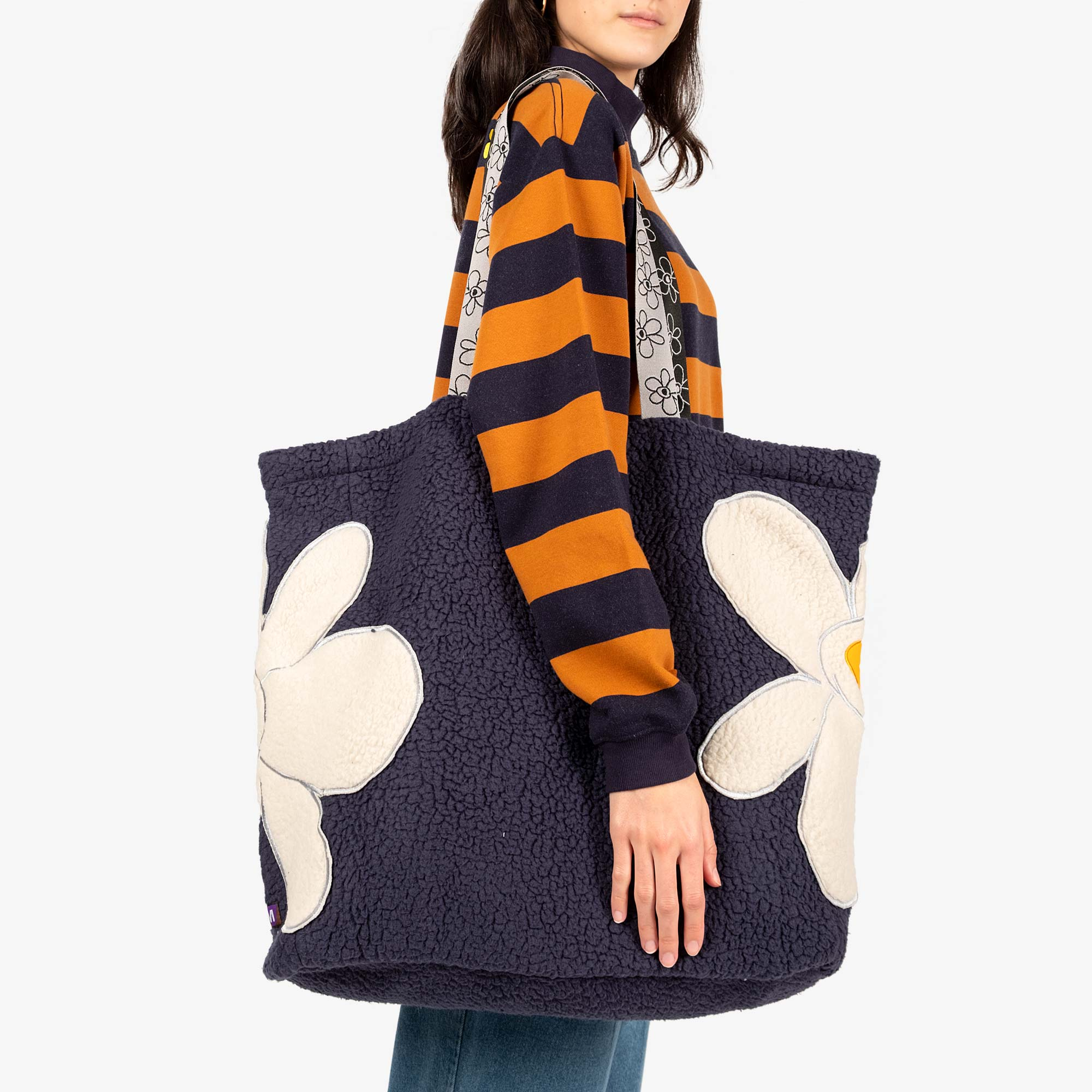 Perks and Mini (P.A.M.) Popping Gestures Recycled Shearling Tote Bag - Navy Fog 2