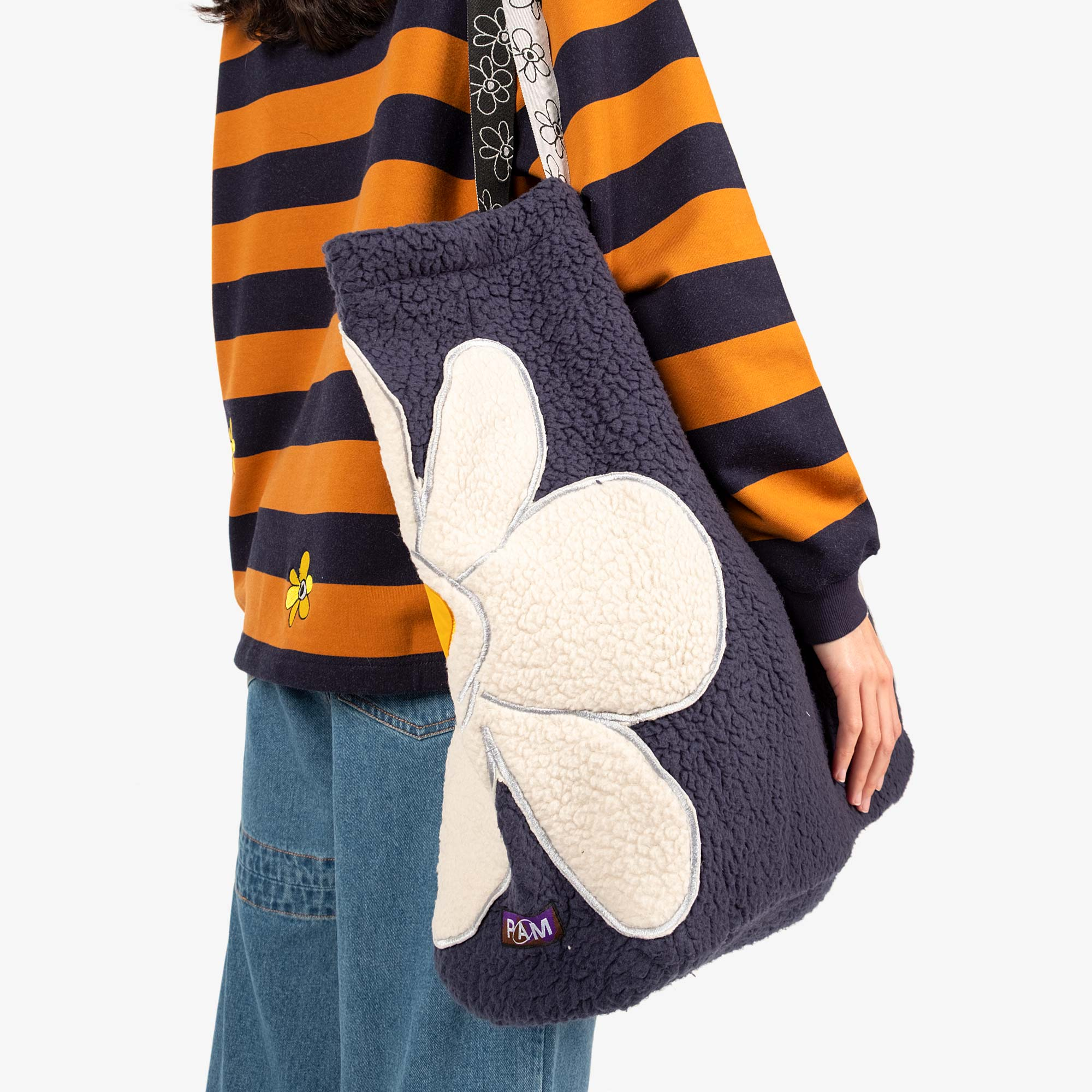 Perks and Mini (P.A.M.) Popping Gestures Recycled Shearling Tote Bag - Navy Fog 4