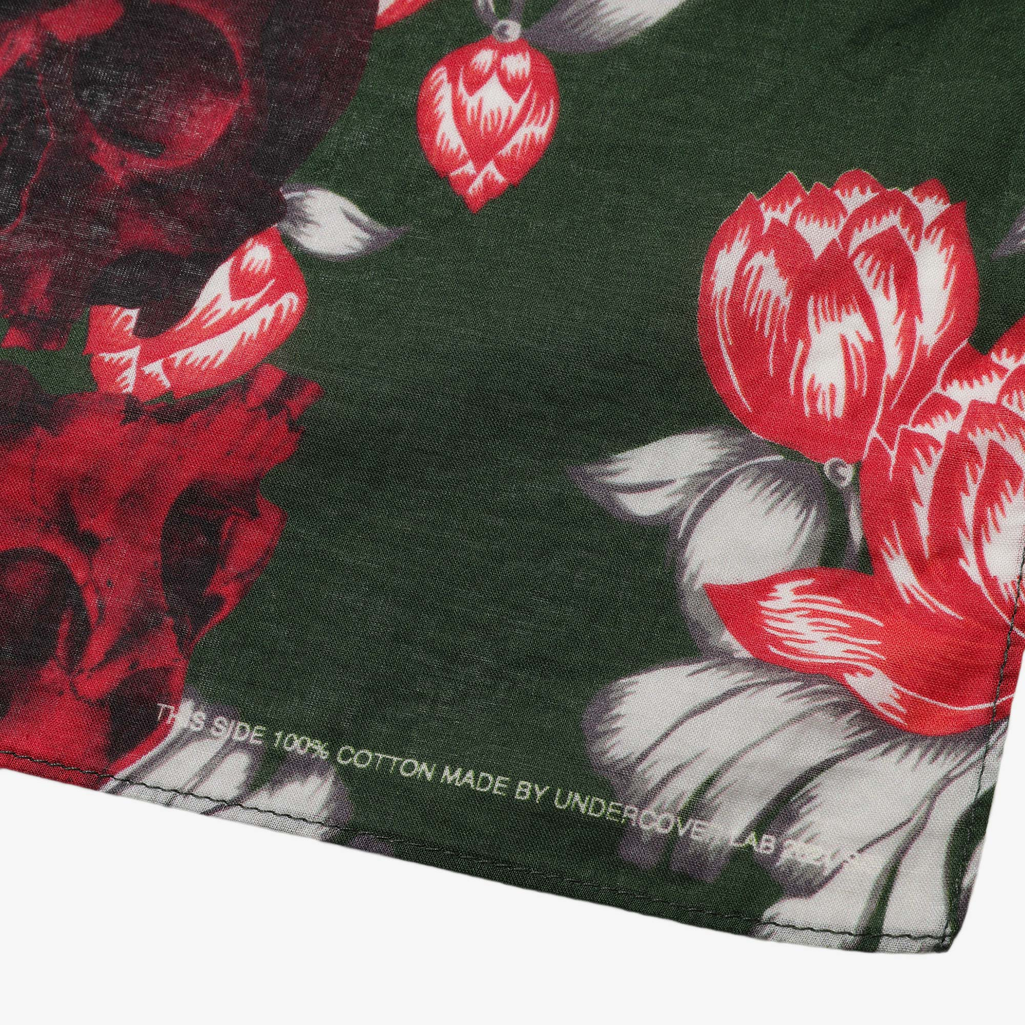 Undercover Roses Skull Pocket Square UC1A4M01-3 - Green Base 2