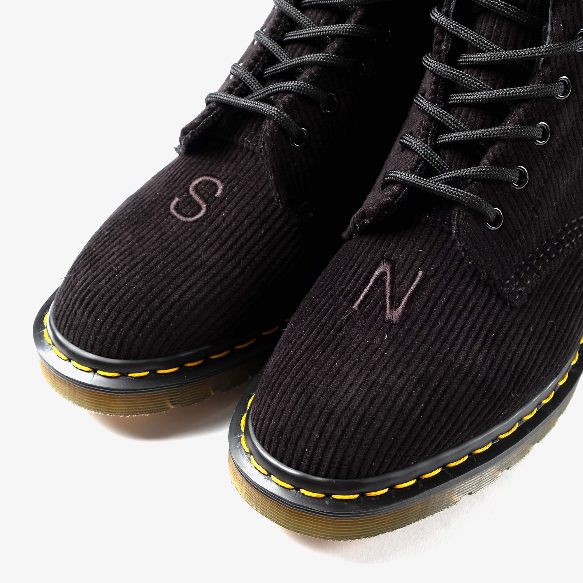 Undercover Undercover x Dr. Martens 1460 Corduroy - Black 6