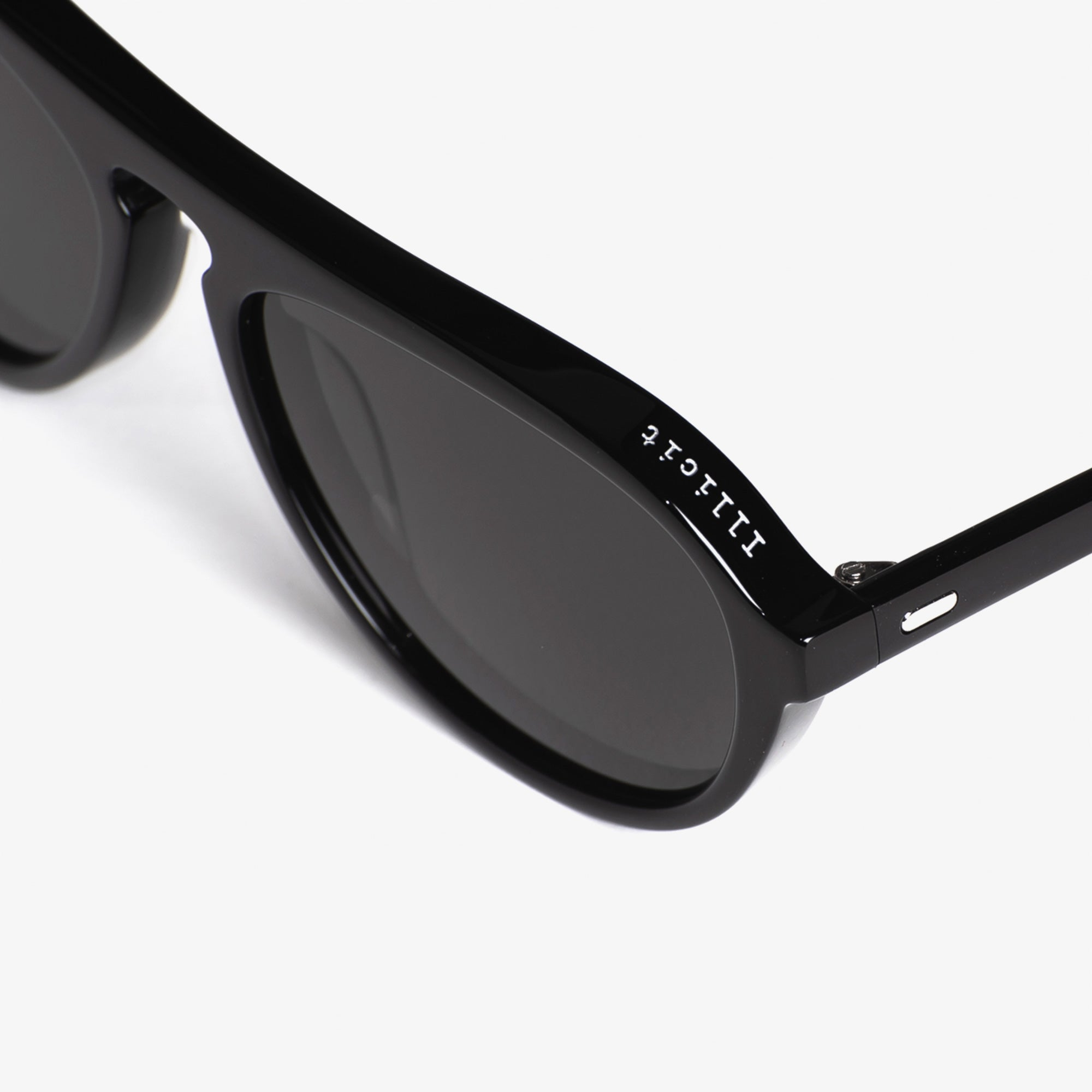 Vaanyard Illicit - Black Mono Gloss / Grey Polarised 3