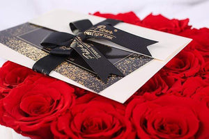 Eternal Roses® Empire White Gift Box in Scarlet Large