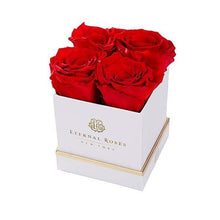 Eternal Roses® Gift Box White / Scarlet Lennox Gift Box