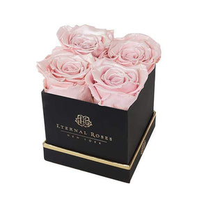 Eternal Roses® Gift Box Black / Pearly Pink Lennox Gift Box