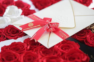 Eternal Roses® Grand Chelsea Mezzo Eternal Rose Gift Box