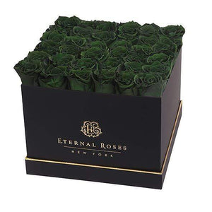 Eternal Roses® Lennox Grand Gift Box Black in Wintergreen