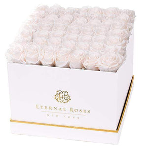 Eternal Roses® White Lennox Grand Lux Gift Box in Mimosa