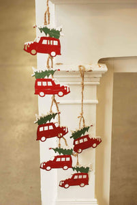 Traveling Red Truck Garland 4.5'