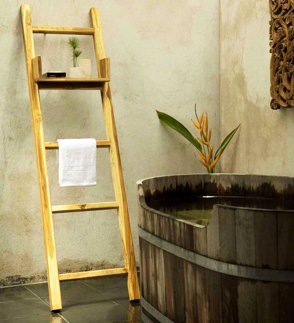 Haussmann® Teak Towel Ladder 18 X 64 In H With Adjustable Shelf Teak Oil