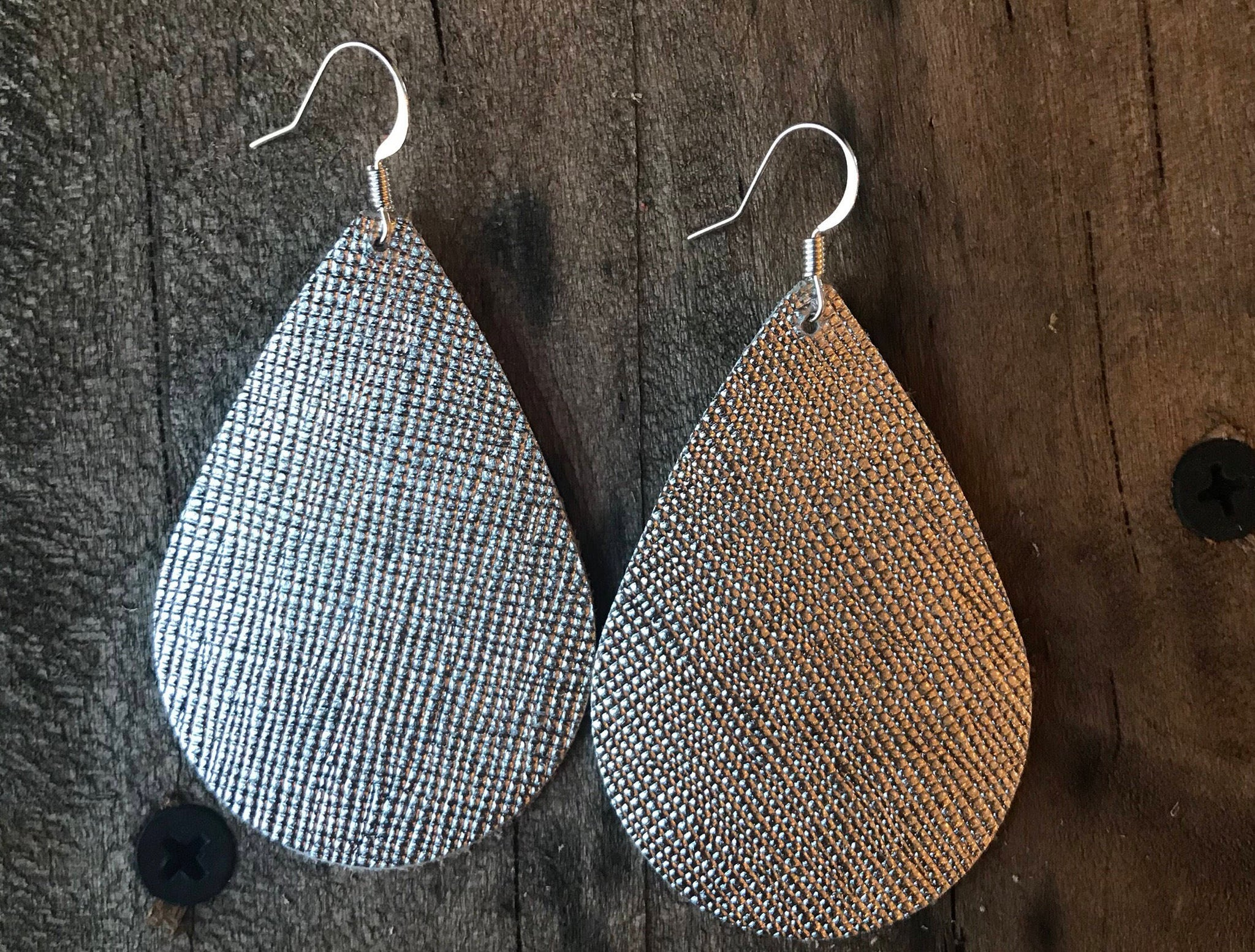 silver-saffiano-teardrop-leather-earrings