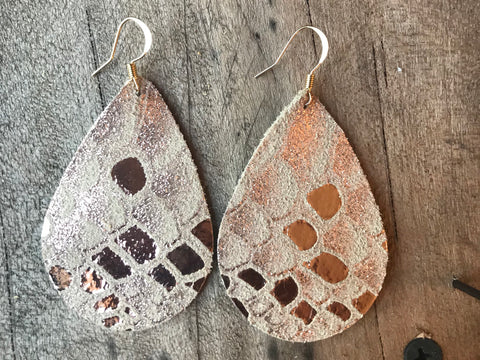 snake-rose-gold-metallic-teardrop-leather-earrings