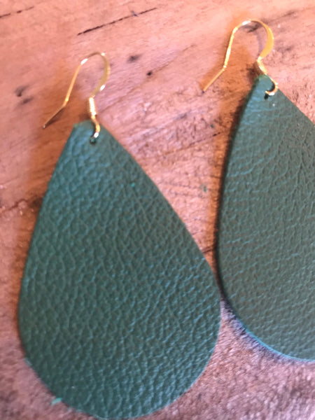 emerald-green-teardrop-leather-earrings