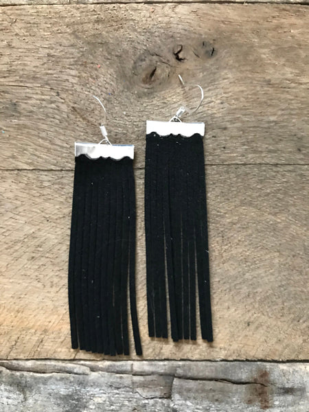 sydney-suede-leather-fringe-earrings-in-black
