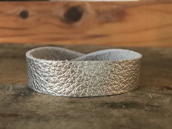 silver-thin-cuff-leather-bracelet