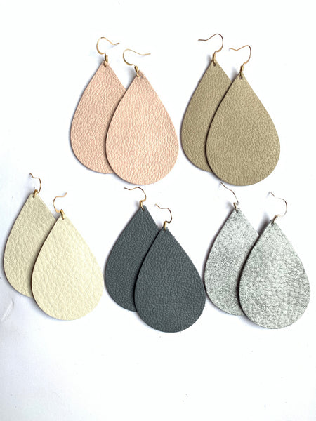 grey-teardrop-leather-earrings