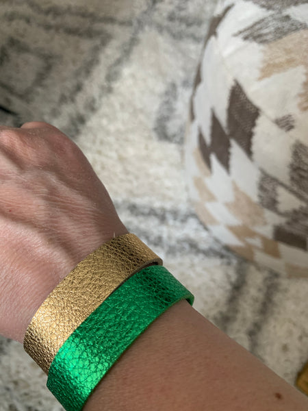 green-metallic-thin-cuff-leather-bracelet