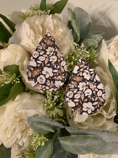 blue-and-ivory-floral-teardrop-leather-earrings
