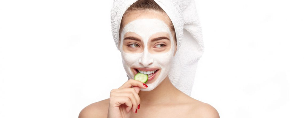 How to manage oily skin? 5 tips to keep your skin look and feel moisturised