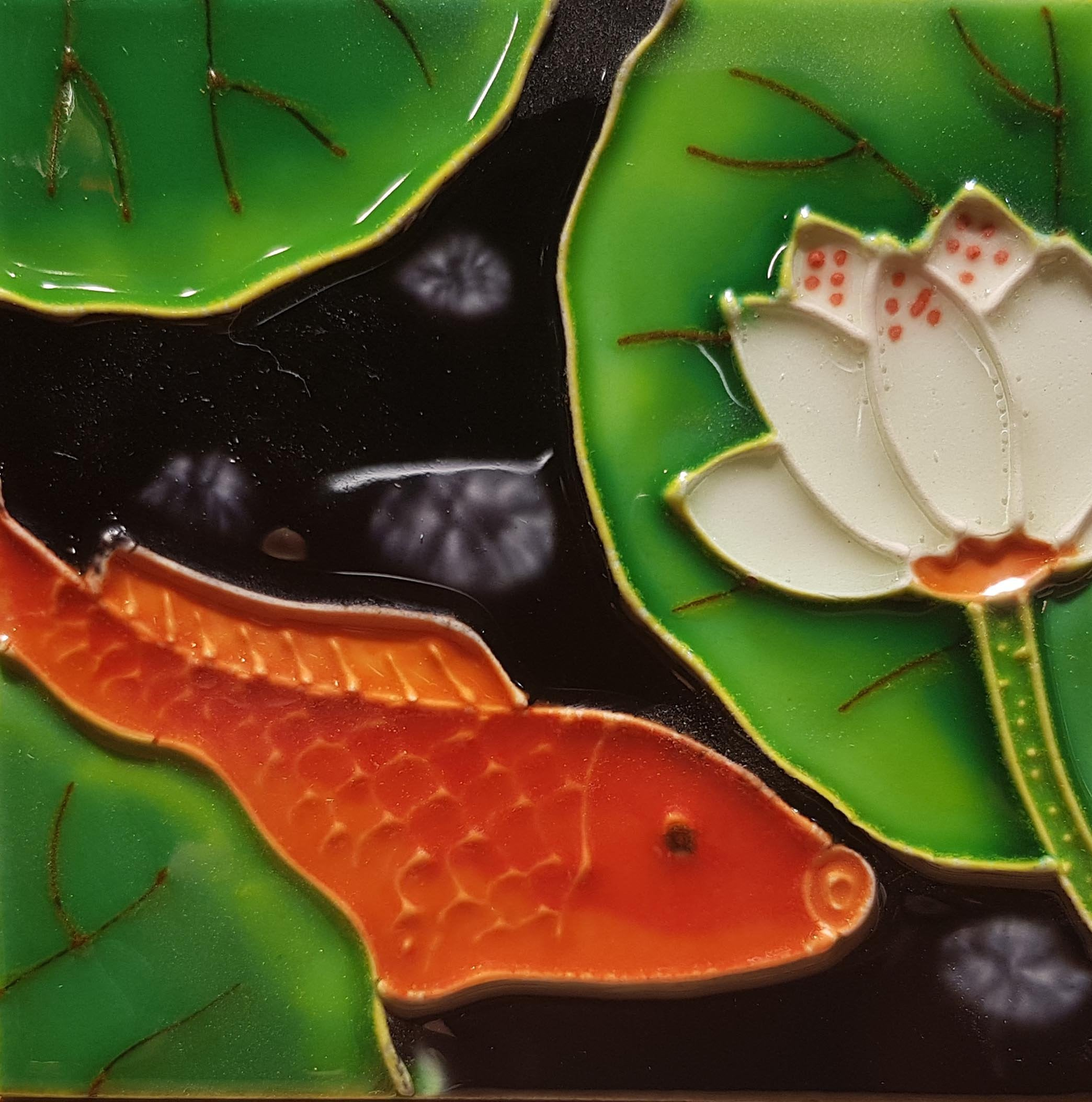 1085 Lotus with Carp Right Profile 1 10cm x 10cm Ceramic Tile