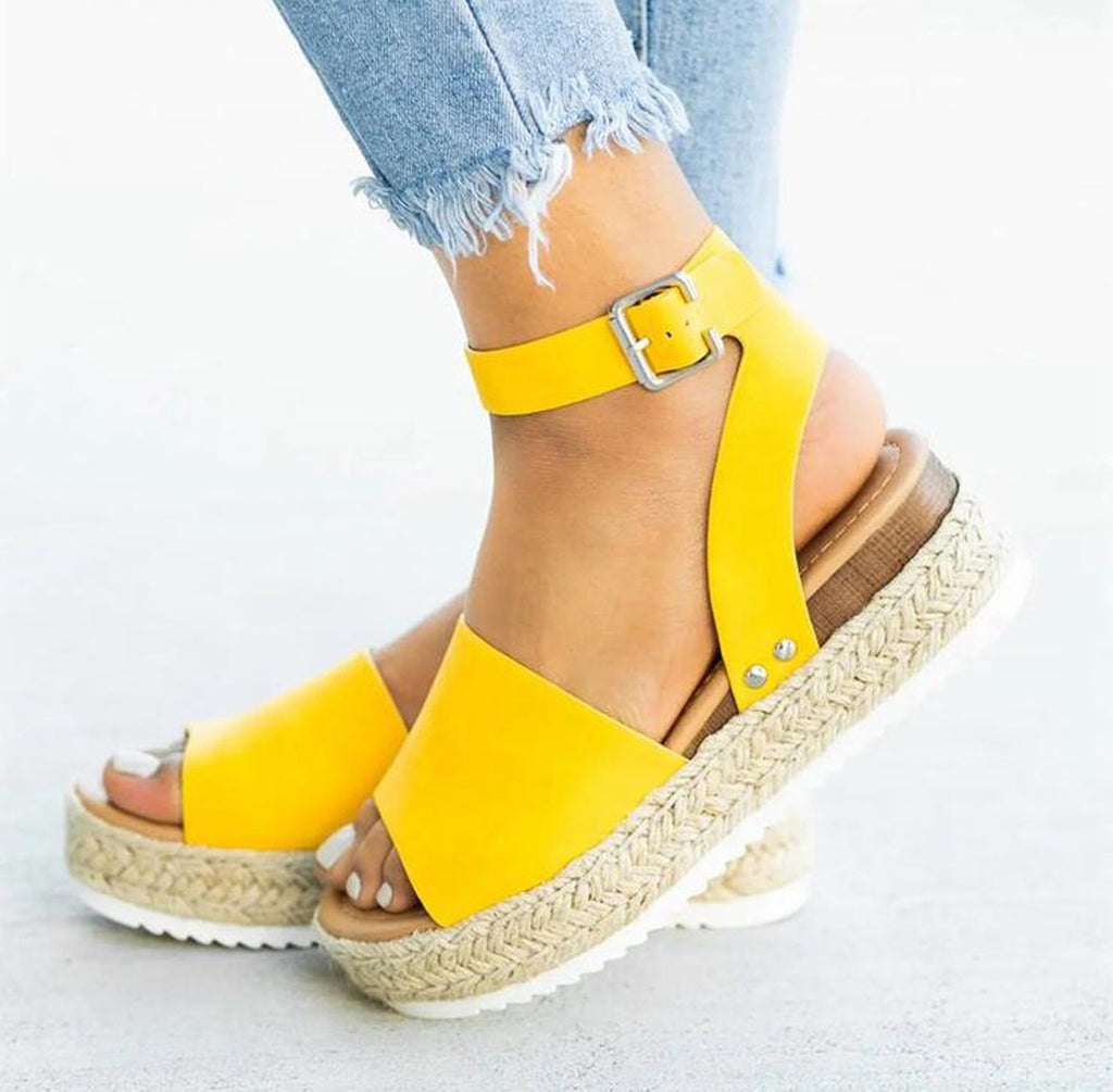 Hello Yellow! ☀️ The Monroe Platform Sandal